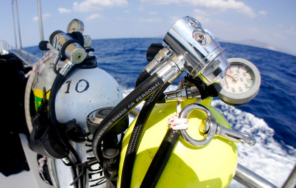 scuba equipment servicing