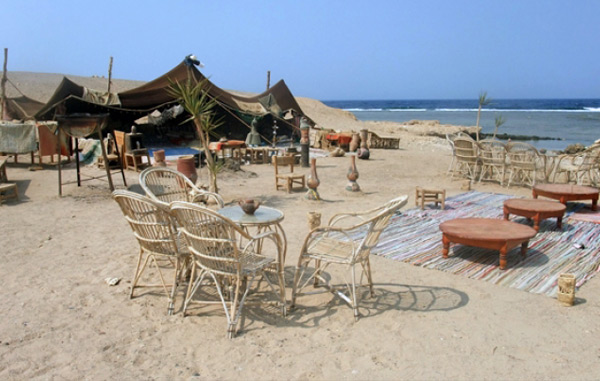 Bedoiun-Tent-on-Beach
