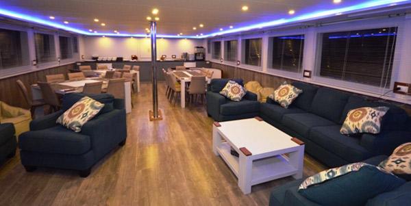 Saman_Explorer_Lounge-Insid
