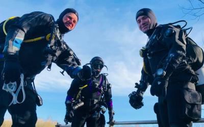 Dry Suit Divers